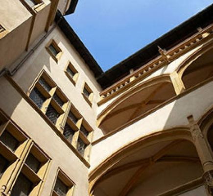 Renaissance Vieux-Lyon: cathedral, courtyards and traboules
