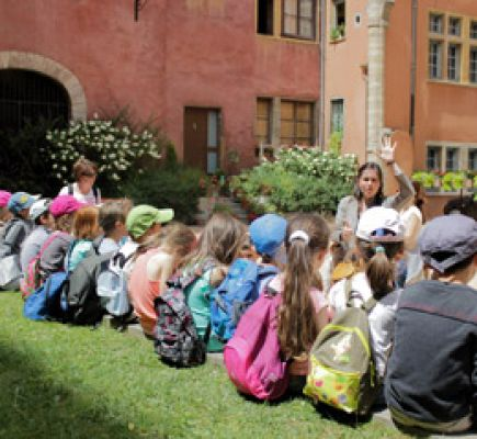 Storytelling tour of the Vieux-Lyon for children