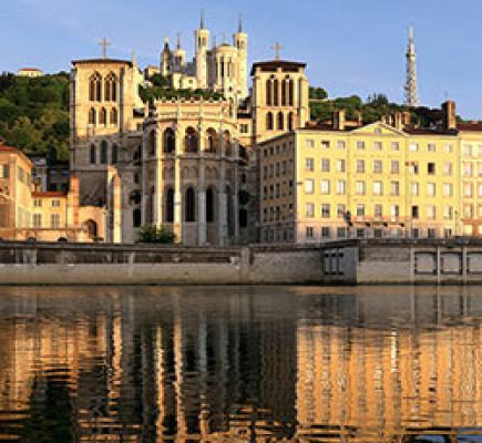 Sightseeing cruise, starting from quai des Célestins, from the 5th to the 8th of december 2019