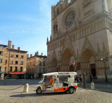 Ride in a tuk-tuk - The unmissable tour in 2h